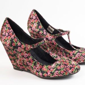 K9 by Rocketdog Floral Mary Jane Wedges Size 7